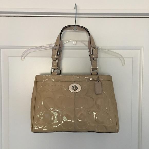 Authentic Coach Hamptons Patent Bag NWOT